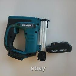Makita Cordless Pneumatic Crown Stapler 18-Volt Lithium-Ion Electric With battery